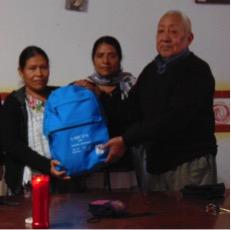 Mochila de la Salud para la comadrona Josefina Hernández